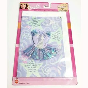 2001 Barbie Fashion Fun Birthday Card & Clothes